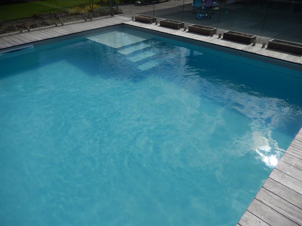 Zwembad na renovatie